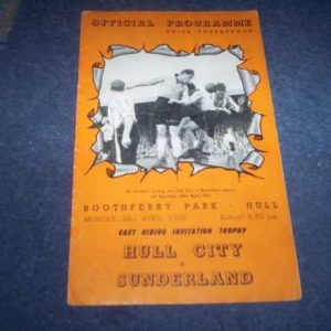 1951/52 HULL V SUNDERLAND EAST RIDING CUP