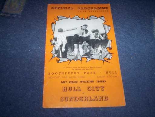 LEAGUE 1950s » 1951/52 HULL V SUNDERLAND EAST RIDING CUP